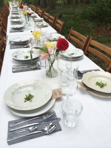 Lange Tafels bruiloft catering buiten 10