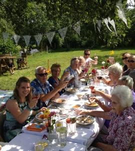 familie lunch lange tafels 4